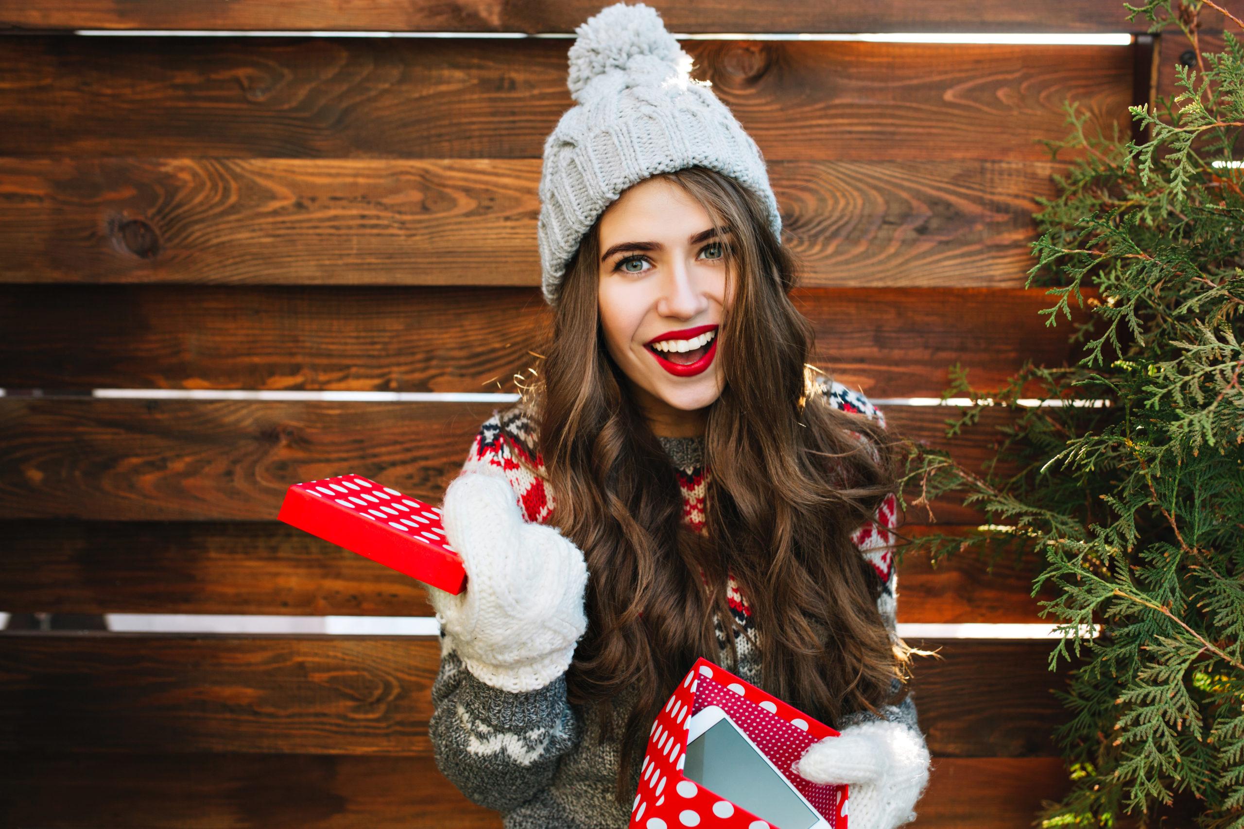 Zdrowie i uroda - Jak wykonać idealny świąteczny makijaż ? 2