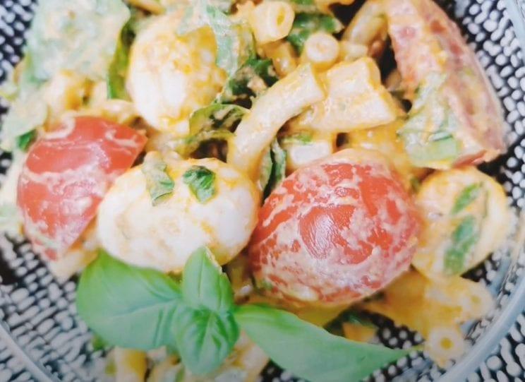 Healthy Food - Włoska sałatka z makaronem 2