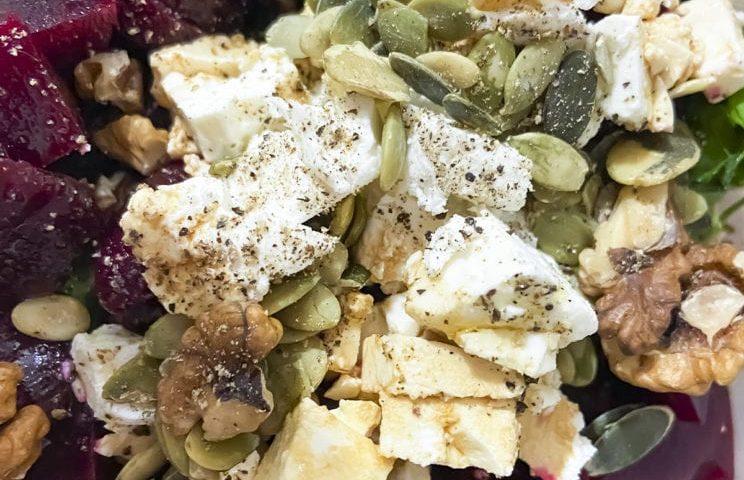 Healthy Food - Sałatka z burakiem i serem feta 1