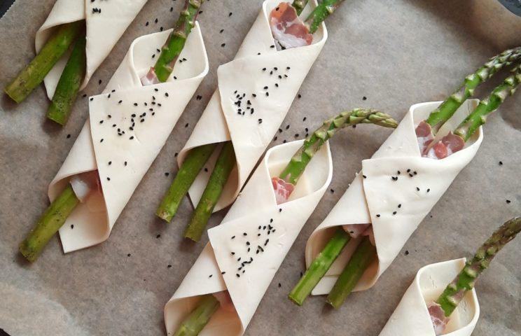 Kolacja - Szparagi w cieście francuskim z szynką parmeńską 1