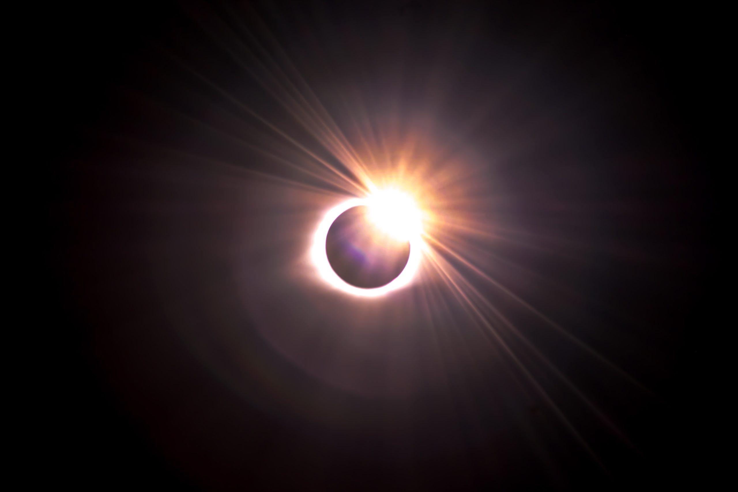 Good Vibes - Nów Księżyca w Bliźniętach i zaćmienie Słońca 5