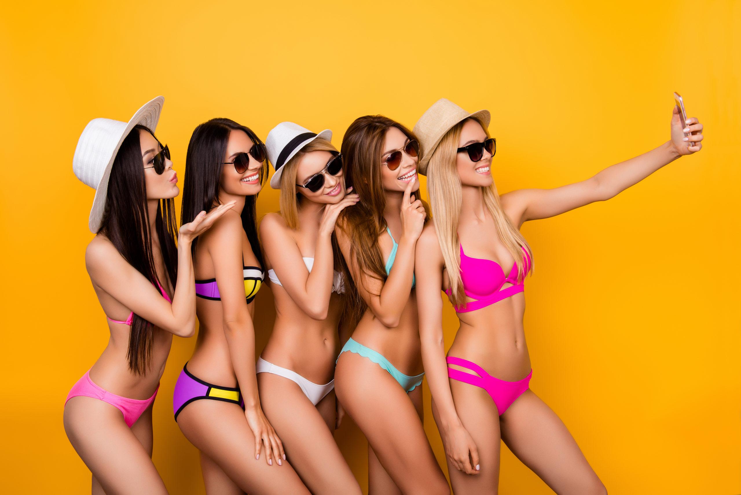 Moda - Plażowe trendy! Modne stroje kąpielowe lato 2021! Co będziemy nosić? 3
